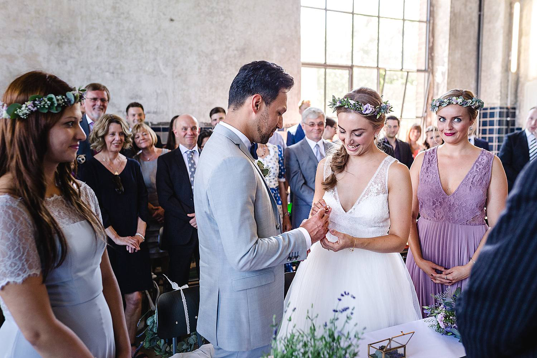 Trauung-Maschinenhalle-Dorsten-Sommer-Hochzeit